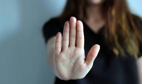 Confinement et violences conjugales: «Il n'est pas interdit de fuir»