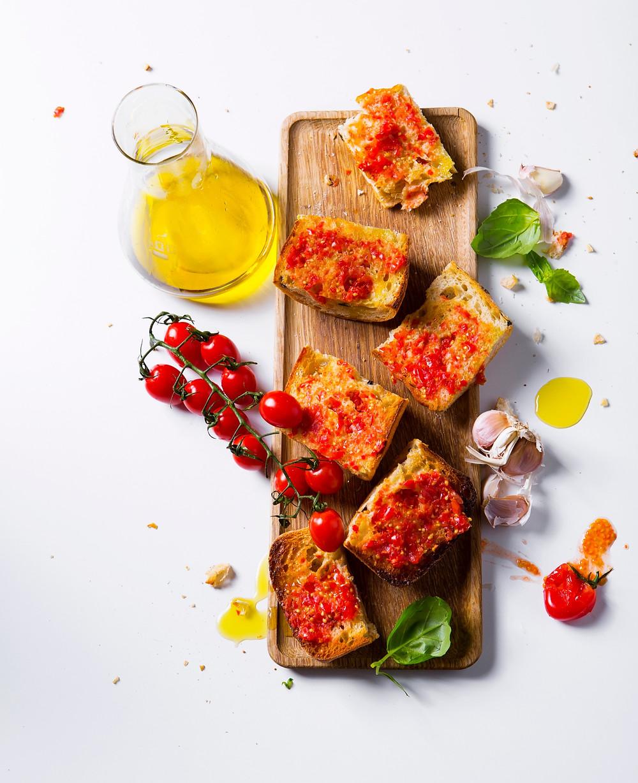 skrudinta duona su pomidorais, VMG