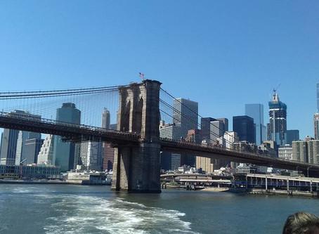 New York City: Walking over the Brooklyn Bridge