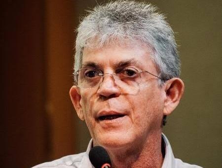 Homem suspeito de extorquir ex-governador da Paraíba é preso
