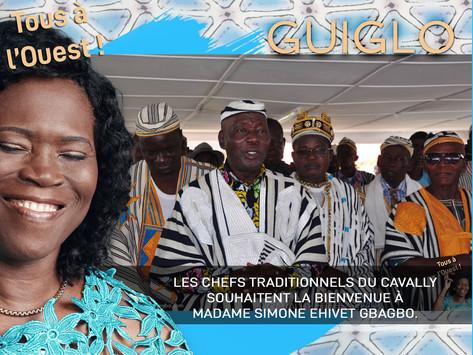 LES CHEFS TRADITIONNELS DU CAVALLY SOUHAITENT LA BIENVENUE À MADAME SIMONE EHIVET GBAGBO.
