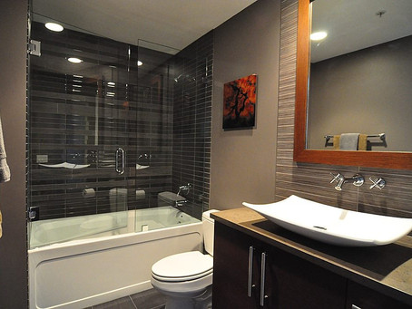 How to make a small bathroom look big