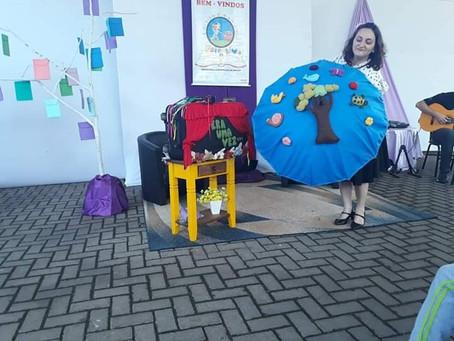 Márcia Funke Dieter na Escola Calisto em Taquara