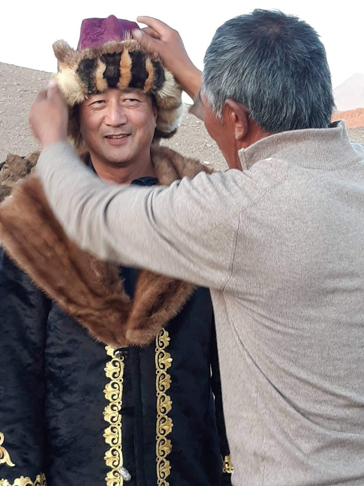 Altai Tavan Bogd eagle hunters dress