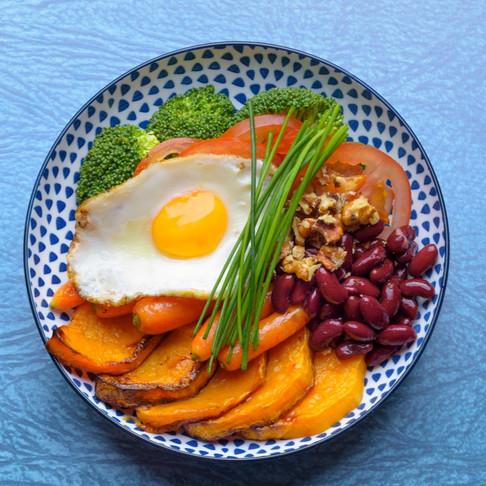"""Pusryčiai 5 dienoms: nuo """"budha bowl"""" iki orkaitėje apkeptų kruasanų su mocarela"""