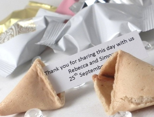 WEdding Library recommended wedding favour fortune cookie