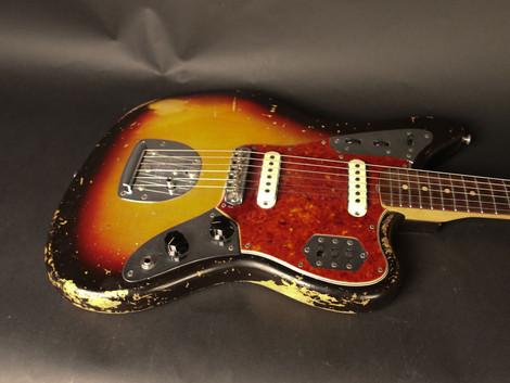 En orginal Fender Jaguar från 1963. Pre-CBS Fender för 42999:- med orginalcase.