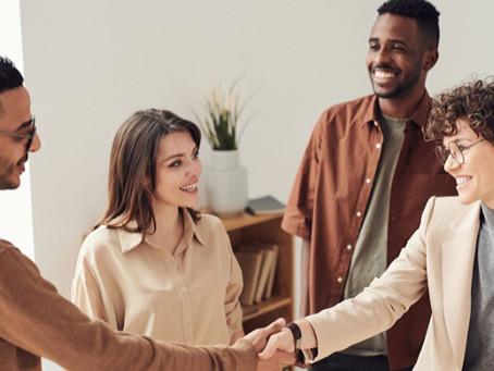 Astuces et Tactiques pour se créer un solide réseau de contacts.