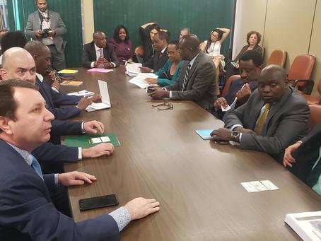 Delegação de Senadores do Quênia reúne-se com o deputado David Soares na Câmara dos Deputados