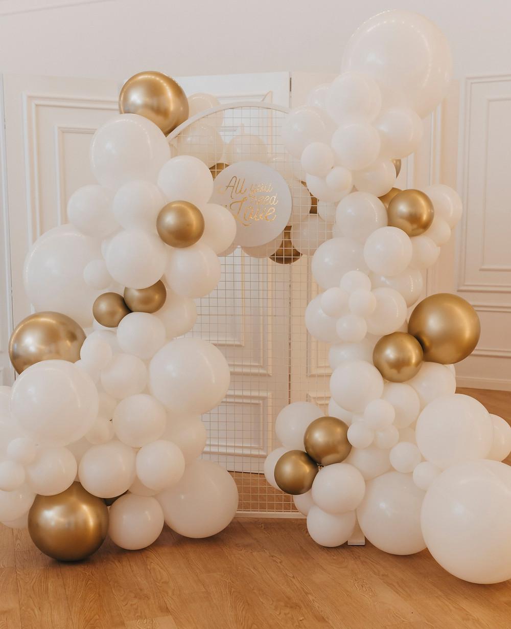 suknia ślubna, panna młoda, sukienka ślub, och balon, wesele, wesele glamour, glamour, sesja ślubna, dekoracje balonowe, balony, balony Lublin, ścianka balonowa, ścianka do zdjęć, tort weselny, słodki stół, dekoracje weselne, fotograf Lublin, Rezydencja w Szczerym Polu, wesele Lublin, wesele lubelskie, wedding balloons, Niewęgłowski