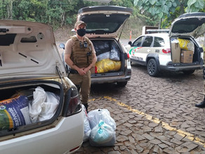Polícia Militar realiza doações de roupas a pessoas em situação de necessidades