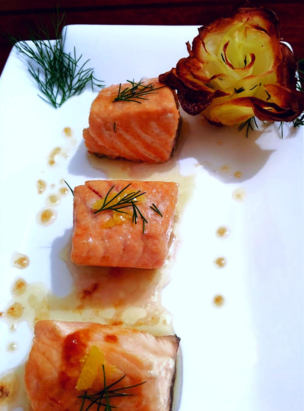 Bocconcini di salmone con salsa alla senape e miele