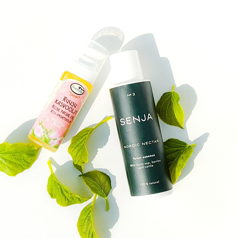 Koti lifestyle | Minimalist skincare routine with Senja Nordic Nectar Toner essemce and Frantsila Rose Facial Oil with green leaves