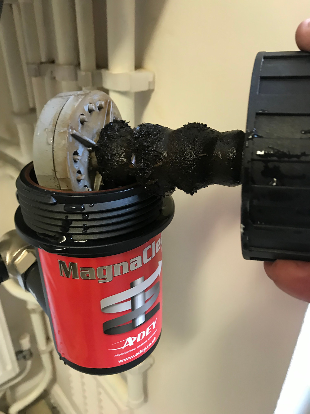 magnaclean filter with sludge