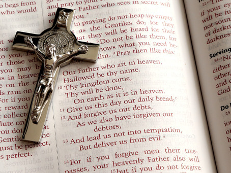 """""""Ojcze Nasz"""" w trakcie Mszy-dlaczego nie ma """"Amen""""?"""