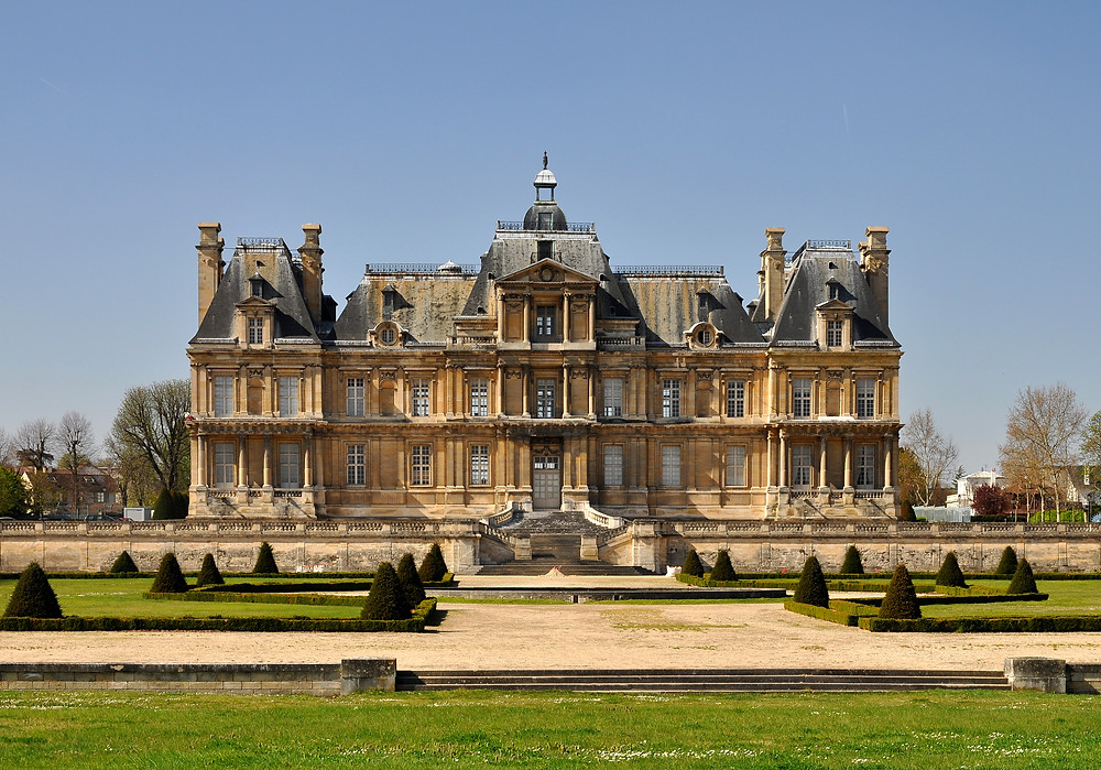Chateau de Maisons-Laffitte. Image source: Moonik on Wikimedia