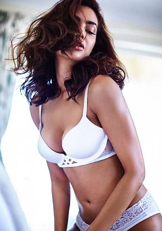 Esha Gupta Seductive