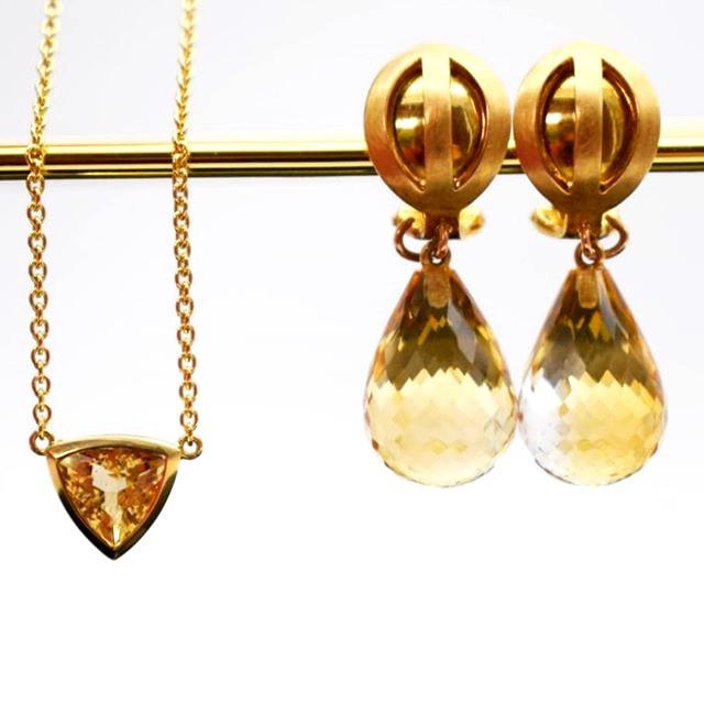 Ohrringe Trend Stein Gold Orange Catrin Geschenk 2019 Schmuck  Anhänger dreiecke Minimal Statement Schmuck Neu  JF Das Atelier