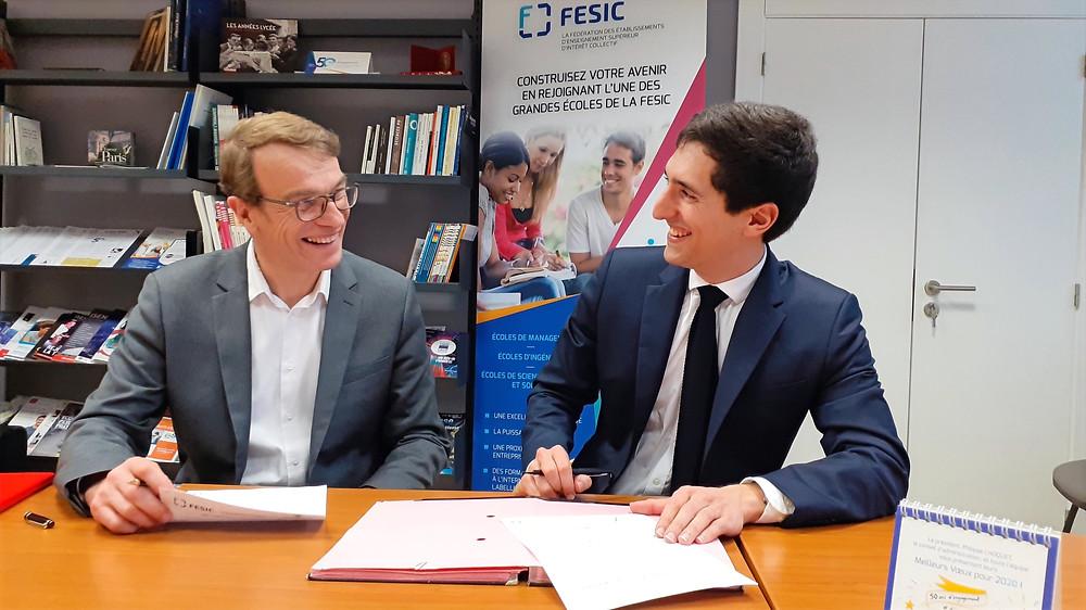 Philippe CHOQUET, président de la FESIC, et Bixente ETCHEÇAHARRETA, président Des Territoires aux Grandes Ecoles signent une convention-cadre de partenariat
