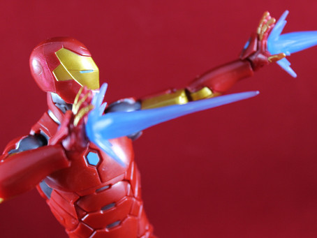 Marvel Legends Okoye BAF: Invincible Iron Man (Review)