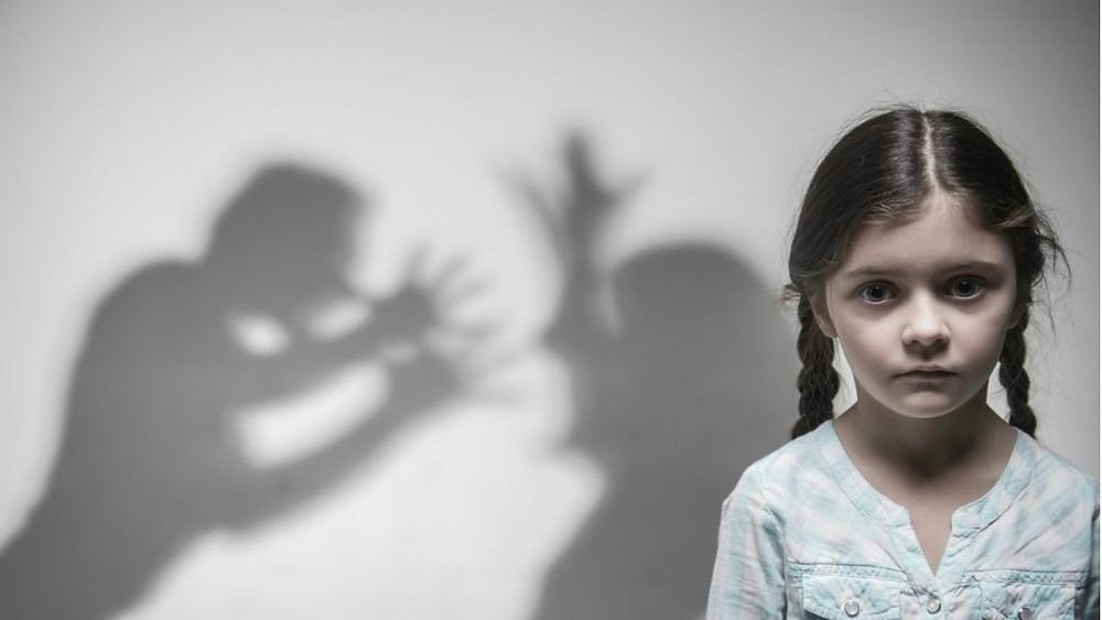 Violência sobre as Mulheres e Crianças   Os homens precisam ajudar outros homens