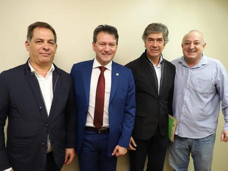Frente Parlamentar de Turismo da Assembléia gaúcha recebe comitiva de prefeitos de Portugual