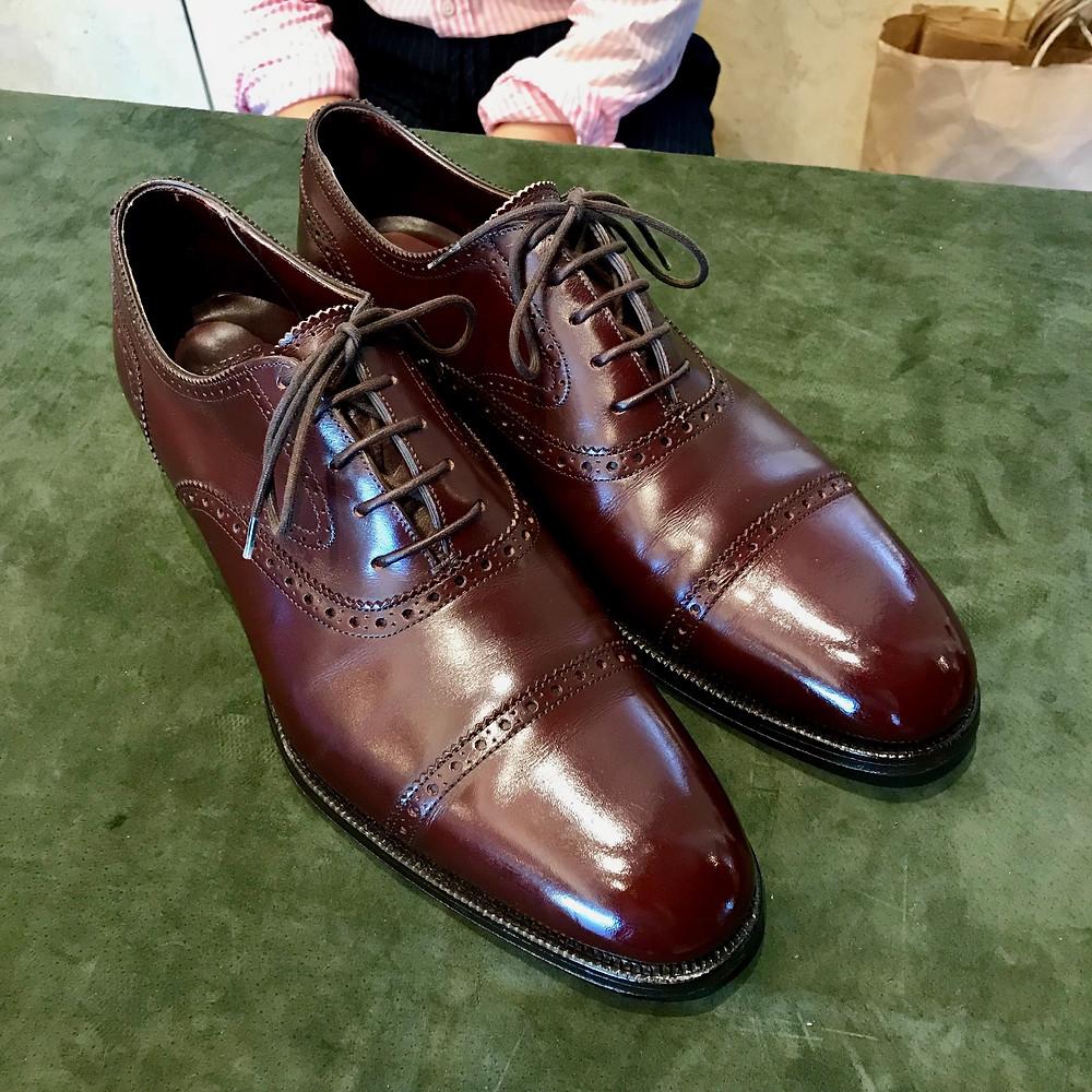 ガジアーノアンドガーリングの宅配集荷靴磨きならシューシャインワークスにお任せ下さい。