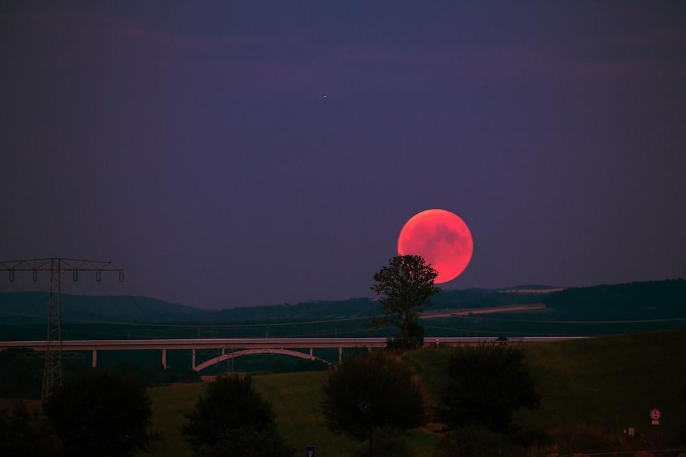 Un poema sobre la luna