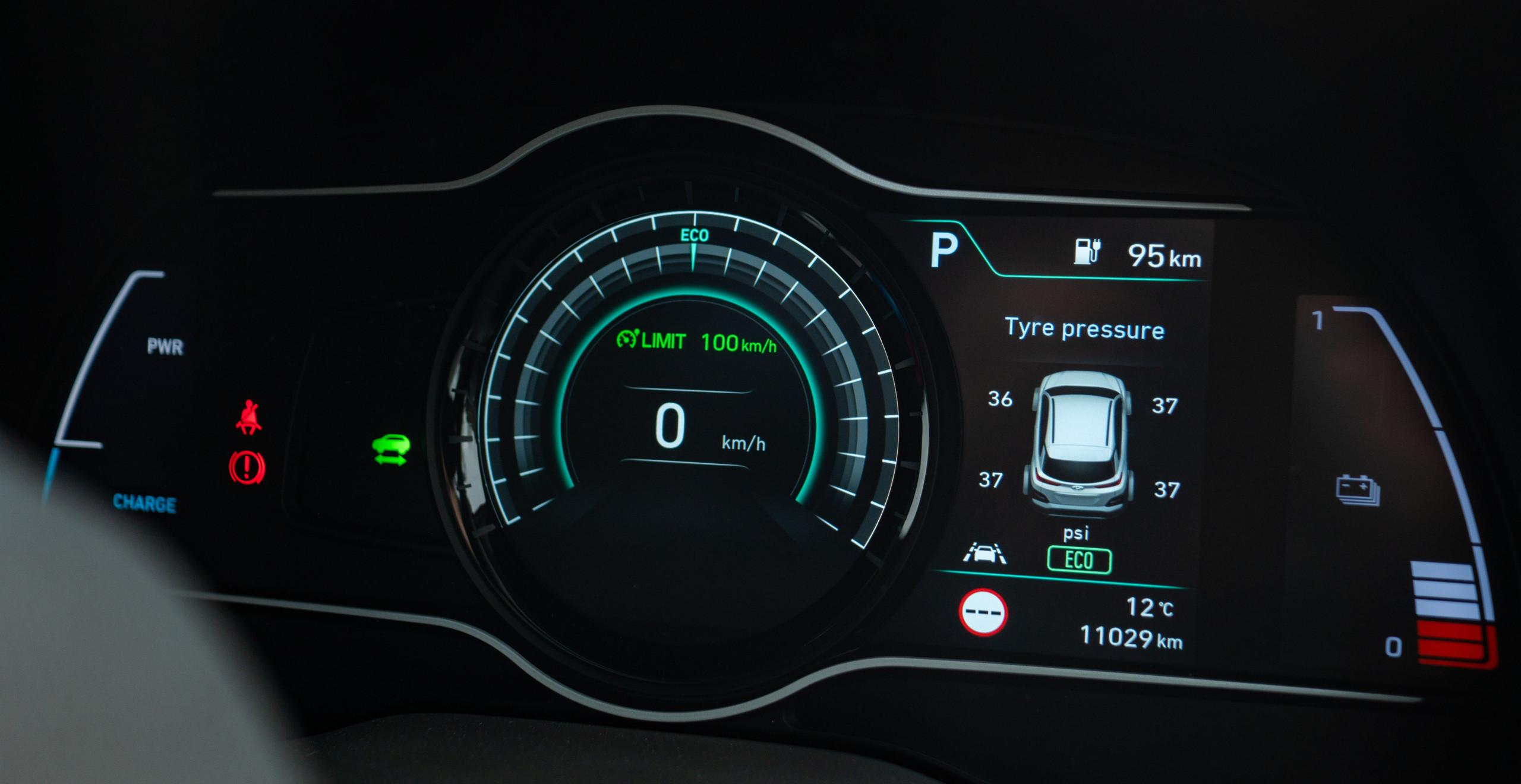 Hyundai Kona Electric dashboard instrument cluster 2018 tyre pressure speedometer