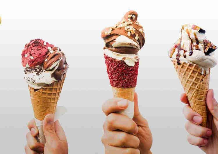 21 Tasty Food Truck Dessert ideas  - gelato truck