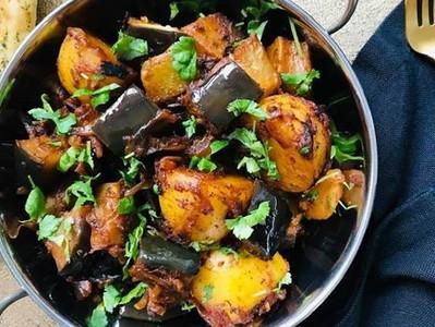 ACHARI ALOO BAINGAN (Vegan Pickled Aubergine & Potato Curry)