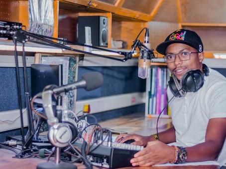 Evangelizando pelas ondas do rádio