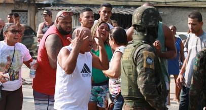 Governo Bolsonaro condecora advogado de suspeitos de matar músico no Rio