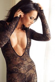 Sexy Noelle Mondoloni