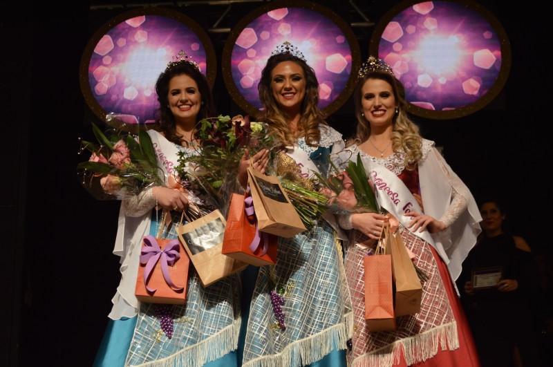 Rainha e princesas da FenaVindima :  evento ocorrerá de 14 de fevereiro a 1 de março do próximo ano.