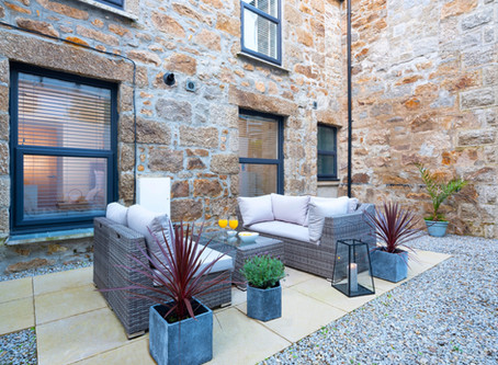 A St.Ives Dream..... Superb, stylish and newly refurbished ground floor apartment with parking space