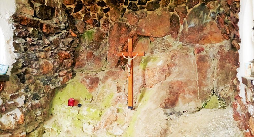 Interiér kaple Nejsvětějšího srdce Ježíšova na Mědníku
