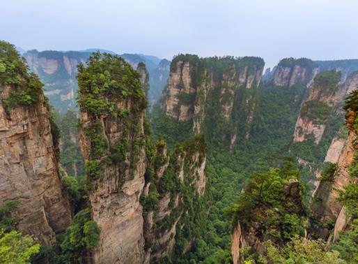"""Les monts Tianzi de Zhangjiajie en Chine, ou """"le Mont Hallelujah"""" du film Avatar"""