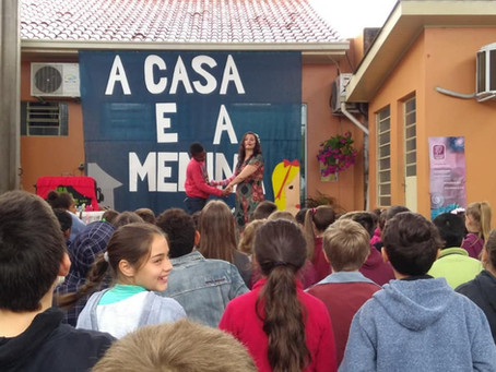 Autora Presente | Escola Brasília