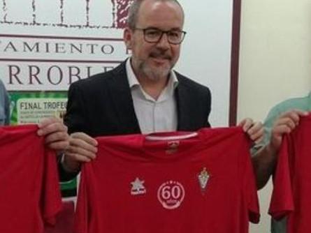 El alcalde, Alberto González traslada su intención de seguir ayudando al CP Villarrobledo