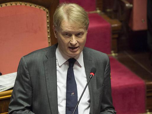 Governo, paragone De-Gasperi - Conte impietoso