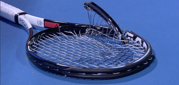 "H ρακέτα του Novak Djokovic ""πλήρωσε"" τα νεύρα του Σέρβου στο δεύτερο σετ του ημιτελικού απέναντι στον Roberto Bautista Agut | Qatar Open, Ιανουάριος 2019"