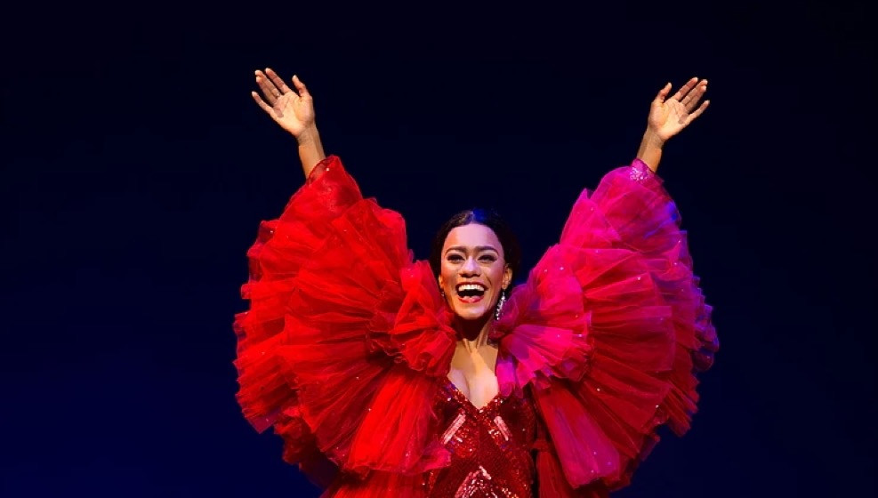Diana Ross (Karis Anderson) in Motown The Musical
