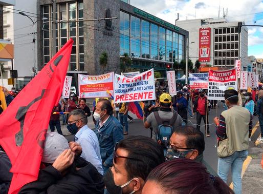 Cientos de personas marchan en contra de las medidas económicas del Gobierno de Lenín Moreno
