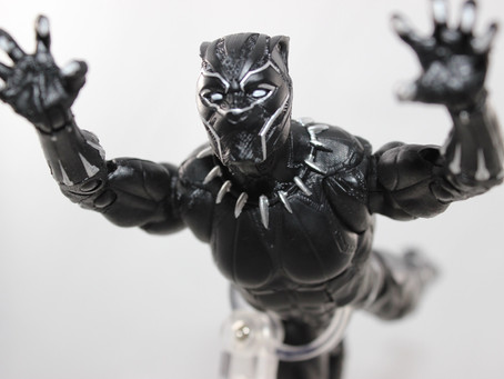 Marvel Legends Okoye BAF: Black Panther (Review)