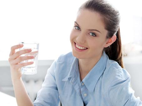 5 Benefícios para o seu corpo ao consumir água filtrada