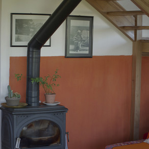 Enduit chaux sur mur mixte ossature/terre + Platelage porte entrée