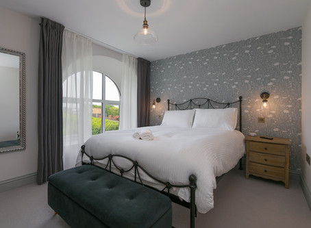 October availability in cosy cottage