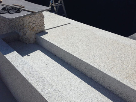 This Infinity Edge Brings the Pool to Life
