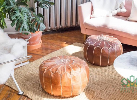 For the first time, choose the color of the stitching and the leather of your ottomans